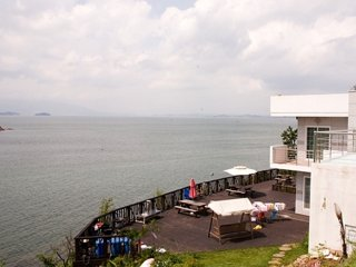 "Shiado Pension with a stunning ""floating like"" view of NamHae (South Sea) - Gyeongsangnam-do vacation rentals"