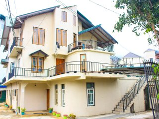 Nice 12 bedroom Bed and Breakfast in Nuwara Eliya - Nuwara Eliya vacation rentals