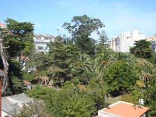 Cozy apartment in Mem Martins, Sintra - Mem Martins vacation rentals