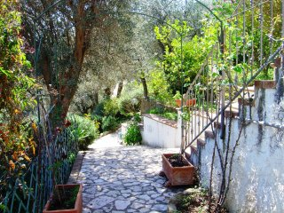 In Villa - appartamento Salina, 2/3 posti letto - Reitano vacation rentals