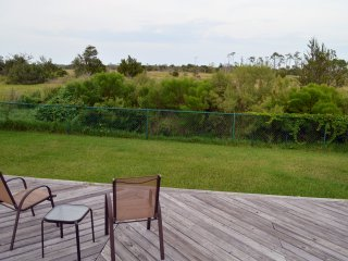 10 mins to the beach, peaceful, single story home - Jacksonville vacation rentals