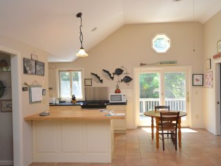 Just Listed! 0.8 Miles from Nauset Beach - Orleans vacation rentals