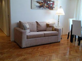 Departamento Arenales en Recoleta, 1 dormitorio y cocina independiente, WIFI, TV - Buenos Aires vacation rentals