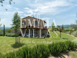 Bright 4 bedroom Allerona Villa with Deck - Allerona vacation rentals
