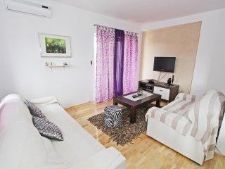 Beautiful Condo with Internet Access and A/C - Sibenik vacation rentals