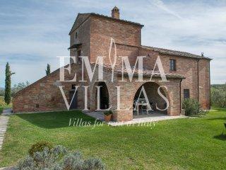 Spacious 6 bedroom Villa in Valiano with Internet Access - Valiano vacation rentals