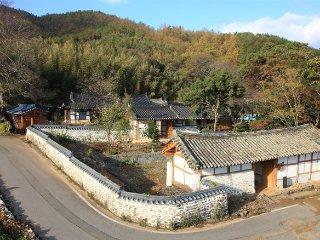 Traditional Hanok - Jeollanam-do vacation rentals