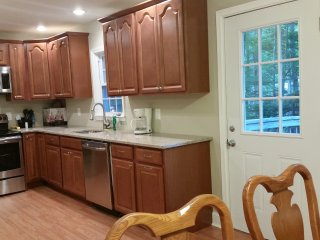 Renovated Hideaway at Arrowhead Lake - Tobyhanna vacation rentals