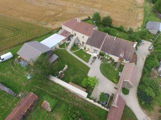 """Chambres d'hotes """"Au Porche Vauban"""" , Vezelay - Fontenay-pres-Vezelay vacation rentals"""