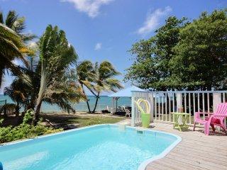 Villa 5 chambres - piscine - les pieds dans l'eau - Sainte-Luce vacation rentals