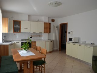 Bright 2 bedroom Apartment in Faver with Washing Machine - Faver vacation rentals