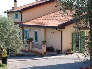 Appartamento in Villa  con splendido panorama - Gioiosa Marea vacation rentals