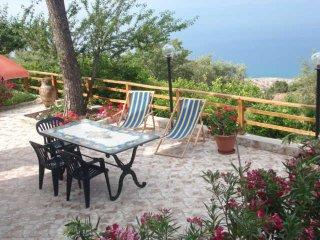 Villa Elios - Appartamento con splendido panorama- - Gioiosa Marea vacation rentals