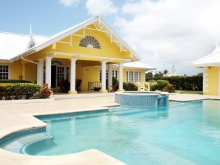 Sunny Villa in Lowlands with A/C, sleeps 10 - Lowlands vacation rentals