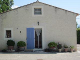 Studio au pied du Mont Ventoux - Saint-Pierre de Vassols vacation rentals