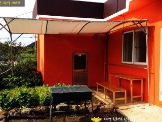 "Jukpo-ri, Dolsan-eup, Theme Rent House ""Hanudream"" - Yeosu vacation rentals"