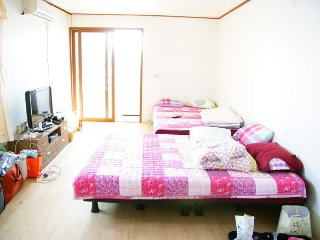 All roads lead to Yeosu in Korea.! - Jeollanam-do vacation rentals