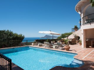 Spacious dazzling villa with beautiful sea vue - Altea vacation rentals