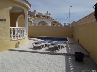 Villa Kilasean, sleeps 7, pool, Wifi, golf, beach. - Mazarron vacation rentals