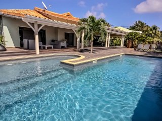 Superbe villa contemporaine 3CH, belle piscine - Le Francois vacation rentals