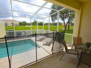 Very nice 3 bed 3 bath town home with splash pool - Clermont vacation rentals