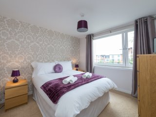 Two bed flat on Water of Leith, 15 mins from city - Edinburgh vacation rentals