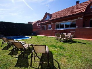 Remarkable villa in Sant Cugat del Vallès for 9 people, only 20km from Barcelona! - Rubi vacation rentals