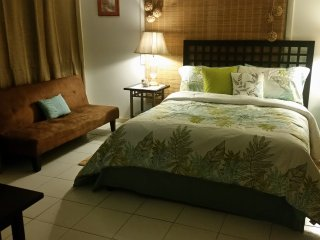 "Hibiscus - ""The Perfect Island Get-Away"" - Nassau vacation rentals"