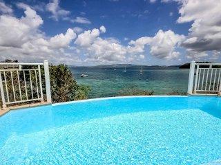 Superbe villa 4 CH, piscine, ponton, plage à pied - Trois-Ilets vacation rentals