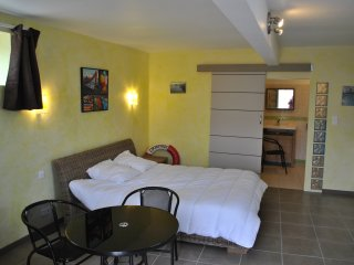 Cozy Plouhinec Studio rental with Central Heating - Plouhinec vacation rentals