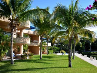 Luxury Condo 2BR Marina view P. Aventuras, by KVR - Puerto Aventuras vacation rentals