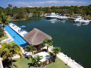 Luxury Condo 1BR Marina view P. Aventuras, by KVR - Puerto Aventuras vacation rentals
