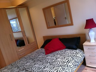 LOVELY 1 BEDROOM FLAT NEXT TO THE O2 CENTRE IN NW3 - London vacation rentals