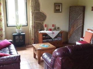 Cozy Flat in Granite Farmhouse - Tabua vacation rentals