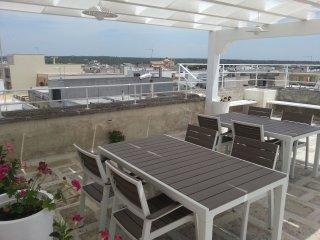 """Casa vacanze """"Il Faro"""" con terrazza panoramica - Maruggio vacation rentals"""