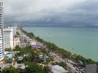 STUDIO 48 M2 BALCON AU 20e ETAGE - Pattaya vacation rentals