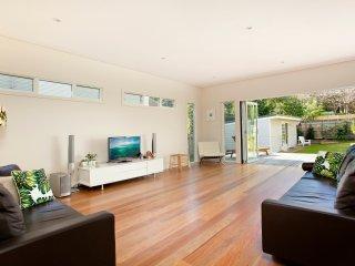 Spacious 4 bedroom House in Newport - Newport vacation rentals