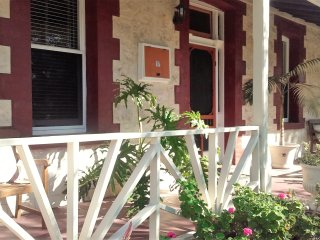 HERITAGE on BURT  -   Great FREMANTLE Location. - Fremantle vacation rentals