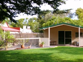 1 bedroom Cottage with Internet Access in Mount Gambier - Mount Gambier vacation rentals