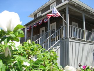 Charming Oceanfront Beach Cottage - Scituate vacation rentals