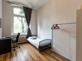 Nice room in Artist apt BERLIN - Berlin vacation rentals