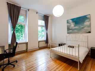 Double Room Apartment with Balcony in the Heart of Berlin - Berlin vacation rentals
