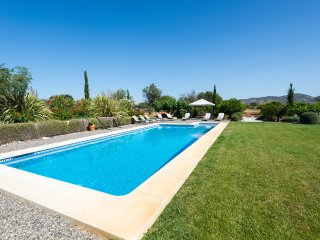 Rural Andalucian Retreat - Malaga 20km - Alhaurin de la Torre vacation rentals