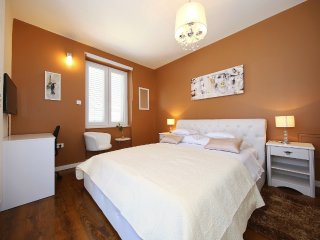 Superior 2 Bedroom Apt. with Balcony, Old Town - Zadar vacation rentals