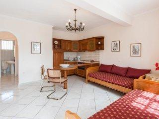 3 bedroom beach garden apartment in Agios Gordios - Agios Gordios vacation rentals
