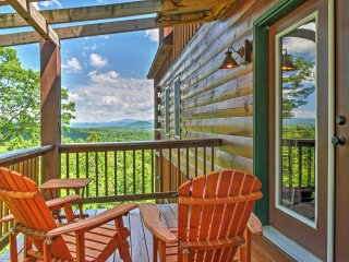 Secluded 3BR Morganton High Country Mountain Cabin w/180 Degree Views, Hot Tub, 2 Fireplaces, Deck, Satellite TV, Wii & Free Wifi! - Morganton vacation rentals