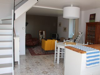 3 bedroom House with Washing Machine in Saint-Ambreuil - Saint-Ambreuil vacation rentals