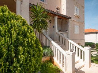 Ruzmarin - One Bedroom Apartment with Terrace - Supetar vacation rentals