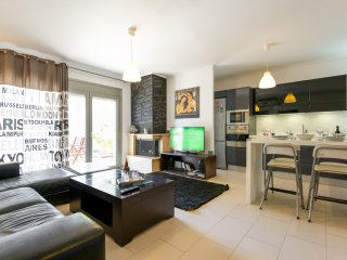 Luxury apartment, free easy street parking - Thessaloniki vacation rentals