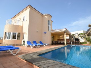B02GC Great villa for 8 - Playa del Ingles vacation rentals